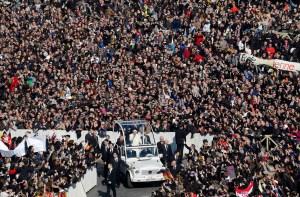 El Papa se despide en emotiva audiencia (Fotos y Video)
