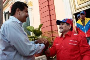 """Maduro dijo que realizará un """"gran homenaje"""" a Maradona luego del show electoral"""