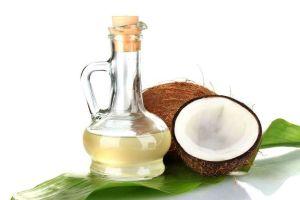 Científicos filipinos aseguran que el aceite de coco destruye al coronavirus