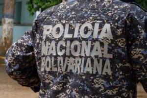 Detuvieron a dos empleados de Pdvsa en Zulia por entregar volantes de la Consulta Popular