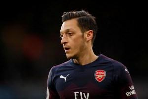 Fenerbahçe hace oficial el contrato del alemán Mesut Özil