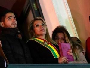 Áñez pidió a la justicia que investigue la legalidad de su Presidencia en Bolivia