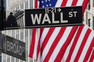 Wall Street cierra en rojo tras otra sesión centrada en el plan de estímulo