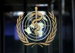 """La OMS no sugiere que el fin de la pandemia """"esté a la vista"""" y sin vacunas"""
