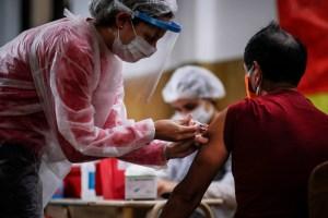 Argentina combinará la vacuna Sputnik V con AstraZeneca y Moderna