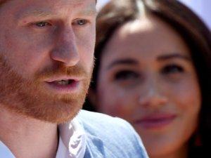 """El Príncipe Harry está """"profundamente infeliz'"""" en su matrimonio con Meghan Markle, según historiador real"""