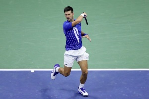 Djokovic espera jugar el Abierto de Australia para defender su título