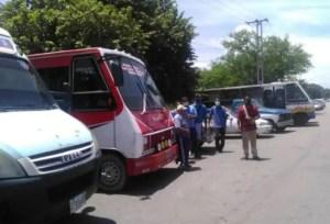 """Transportistas de Aragua denuncian la """"sequía programada"""" de combustible en la entidad"""