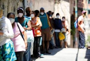 Casi 75% de los habitantes de Caracas dice comer menos que a fines de 2019 por la crisis, según encuesta