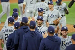 Serie Mundial: Jonrones de Lowe y pitcheo de Snell le dieron el triunfo a Rays sobre Dodgers