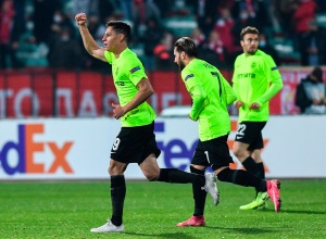 El venezolano Mario Rondón selló triunfo del Cluj con golazo en Europa League (Video)