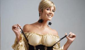 La señora más sexy de Venezuela quiere disfrazarse en Halloween y estos fueron sus opciones (FOTO)