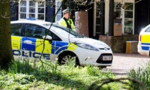 Conmoción en Gales: Mató y quemó el cadáver de un amigo al enterarse que era amante de su mujer