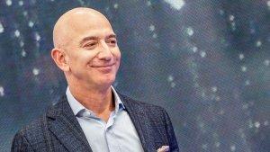 Las preguntas que se formula Jeff Bezos antes de contratar nuevos empleados en Amazon