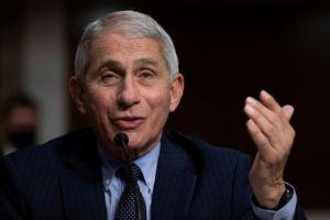 Jefe inmunólogo de EEUU anticipa explosión de casos de Covid-19 tras Acción de Gracias