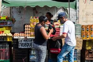 El venezolano necesita ocho salarios mínimos para comprar ocho alimentos básicos