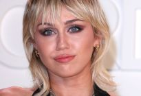Miley Cyrus posó para Rolling Stone en topples