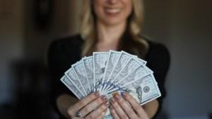 Los 10 mandamientos a seguir si te piden dinero prestado