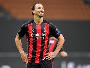 Zlatan Ibrahimovic renovó su contrato con el AC Milan hasta 2022
