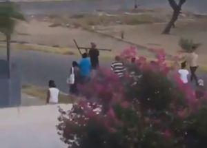 La arriesgada medida que tomaron vecinos de Maracaibo ante la escasez de agua (VIDEO)