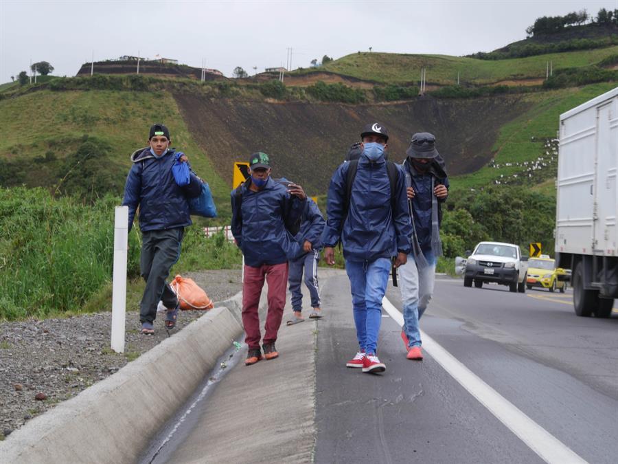 """El """"virus del hambre"""" de los venezolanos se impone al cierre de fronteras"""