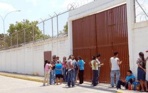 Hambre causó motín en el Centro Socioeducativo Pablo Herrera Campins de Lara (Video)