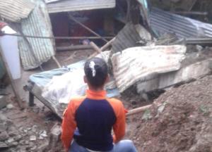 Derrumbe en Ocumare del Tuy dejó saldo de dos fallecidos, entre ellos un menor de seis años
