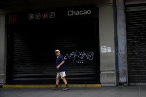 ¡CAOS TOTAL! Usuarios del Metro de Caracas fueron desalojados tras falla eléctrica (Videos)