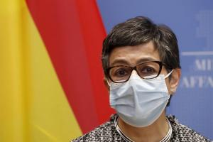 España: Hablar con todos los actores políticos en Venezuela es la única solución realista