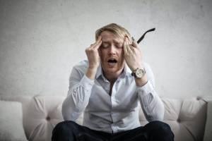 Dormir seis horas o menos puede aumentar el riesgo de padecer demencia