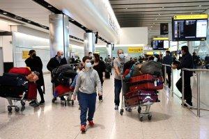 El Reino Unido suministrará a sus ciudadanos pasaportes Covid-19 para viajar al exterior en las vacaciones