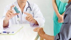 ¿Puede el uso del tapabocas ayudar a disminuir los casos graves de asma?