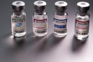 Expertos investigan la posibilidad de combinar dos vacunas distintas ante escasez de dosis