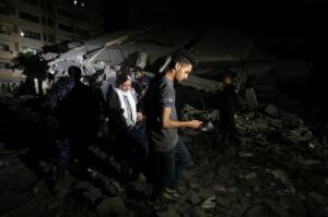 VIDEO: El momento en que un cohete de Hamas cayó sobre un autobús en Tel Aviv