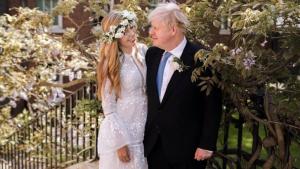 Revelan que Boris Johnson y su prometida se casaron EN SECRETO con solo 30 invitados