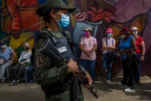 """Mientras que contagios no cesan, chavismo anunció nueva """"semana flexible"""""""