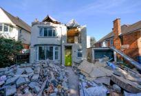 Dejó en ruinas la casa que remodeló porque no le pagaron completo (Fotos)