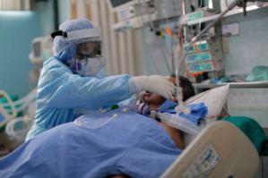 Hospitalizaciones en EEUU vuelven a niveles del invierno pasado por la variante delta