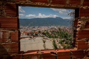 """Caracas cumple 454 años y los """"celebra"""" sin luz, sin agua y con la violencia desatada"""