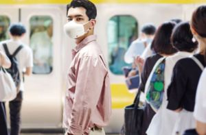 Micrófono y parlantes incluidos: Nueva adaptación de LG a su mascarilla purificadora