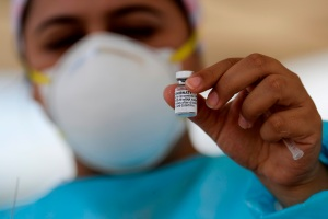 OPS: Venezuela recibirá vacunas de Sinopharm y Sinovac por el Covax entre agosto y septiembre
