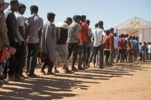 """""""Matanza silenciosa"""", Hambruna obliga a madres alimentar con hojas de árboles a sus hijos en Etiopía"""