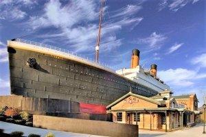 Tres personas hospitalizadas luego de derrumbarse una pared de hielo en el Museo del Titanic