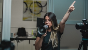 ¡Venezolana exitosa! Andreanjelina, lleva a otro nivel el uso de las redes, la dirección y producción audiovisual