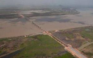 Hace 13 años Chávez prometió el tercer puente sobre el Orinoco, jamás construido (Video)