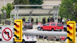 Oficial murió apuñalado en una estación cerca del Pentágono