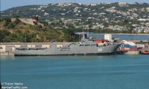 Fragata de guerra cubana arribó silenciosamente al puerto de La Guaira