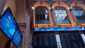 Wall Street cerró dispar, afectada por cifra decepcionante de empleo