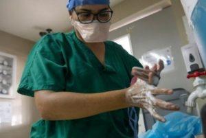 Monitor Salud: Siguen siendo insuficientes tapabocas, guantes y cloro en centros de salud del país